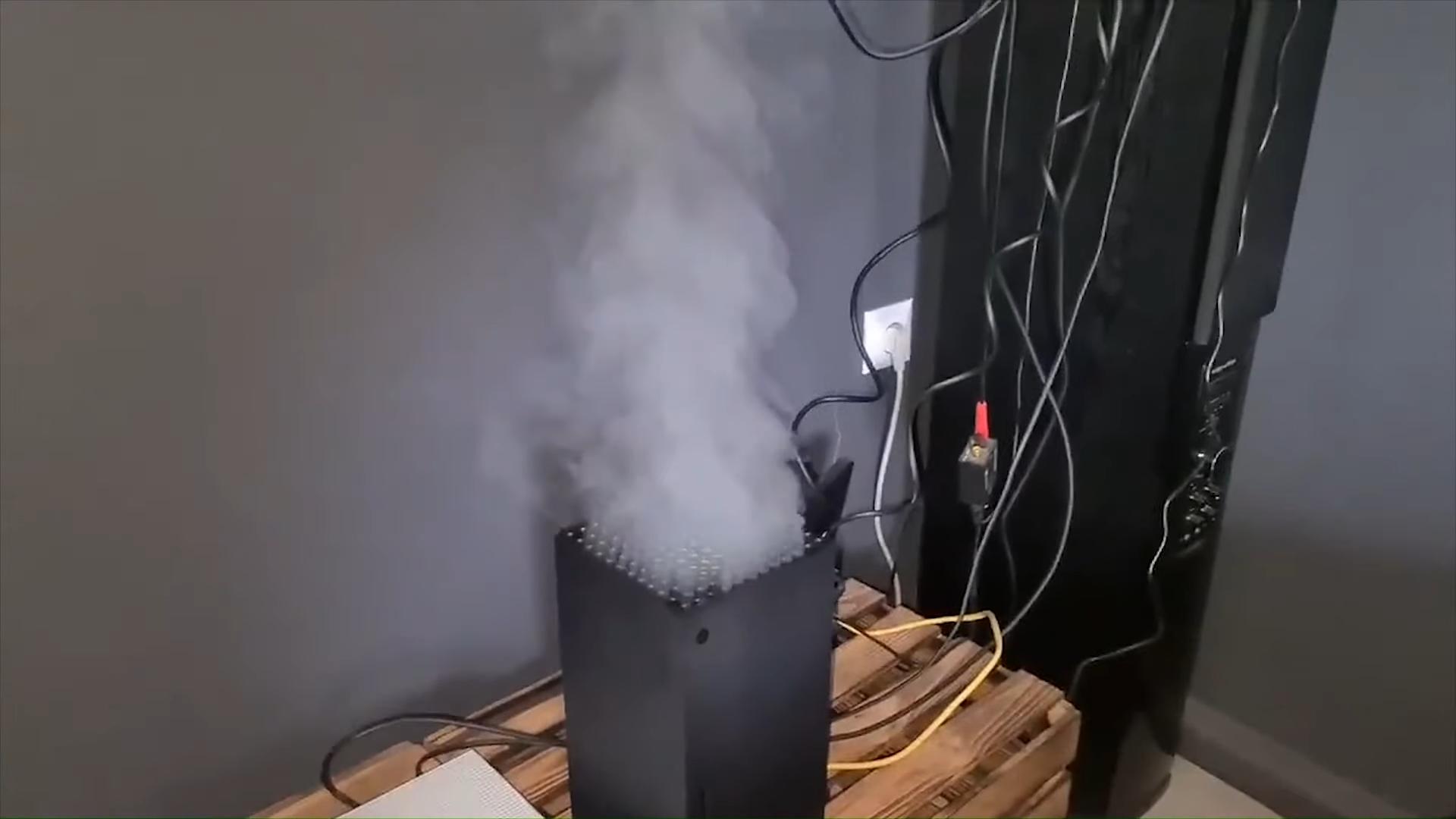 No te dejes engañar por las supuestas Xbox Series X que echan humo: lo más probable es que sea un fake